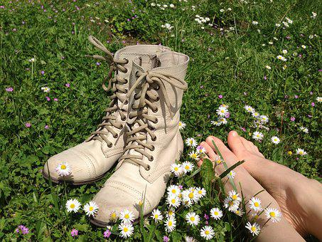 Shoes, Feet, Flowers, Daisy, Summer, Spring, Meadow