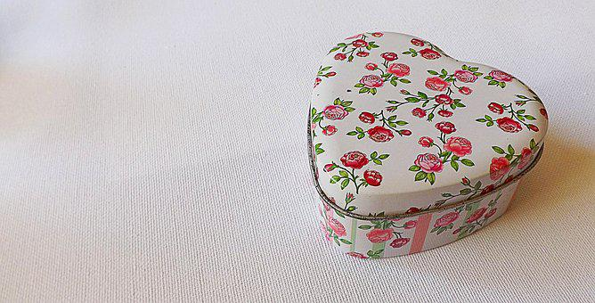 Jewellery Box, Rose Pattern, Metal Box, Heart Shaped