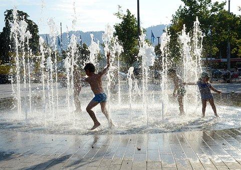 Children Playing, Water Fountain, Zurich, Lake Zurich
