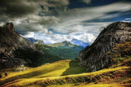 Passo Valparola, Dolomites, Civetta, Mountains