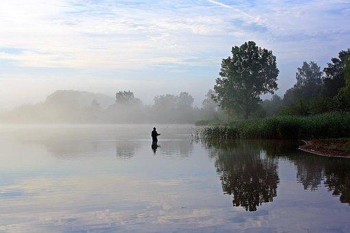 Losheimer Reservoir, Badesee, Angler, Morning Mist
