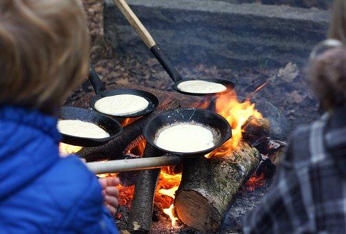 Bonfire, Pancakes, Fire, Place For A Bonfire, Leisure