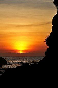 Sunset, The Sun, The Sea, Rock, Scenery, Vietnam