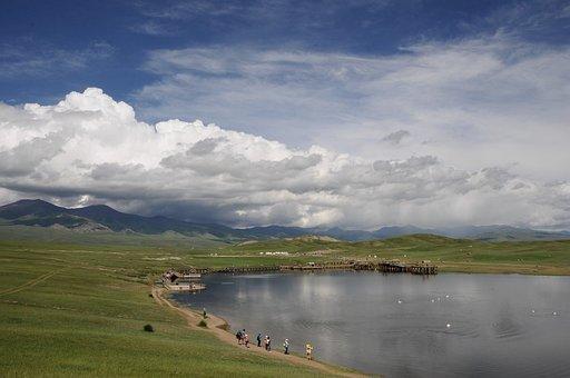 Swan Lake, In Xinjiang, Tourism