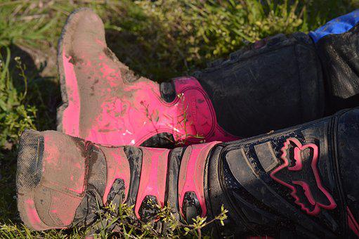Boots, Fox, Racing, Athlete, Sporting Event, Sport