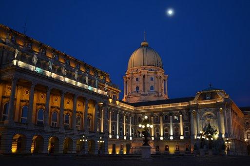Buda Castle, Blue, Moon, Sky, Budapest, Coach