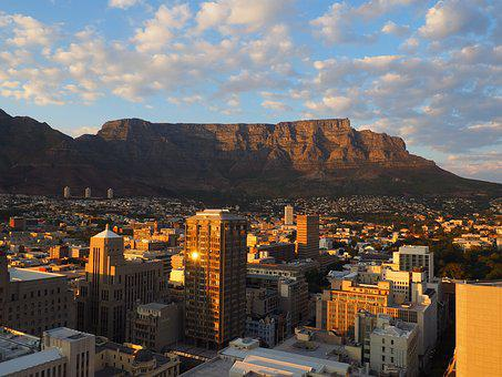 South Africa, Cape Town, Table Mountain, Skyscrapers