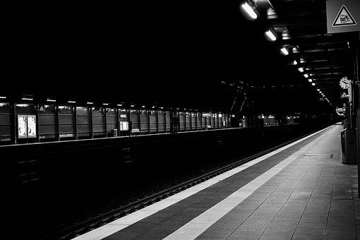 Black And White, Railway Station, Sw