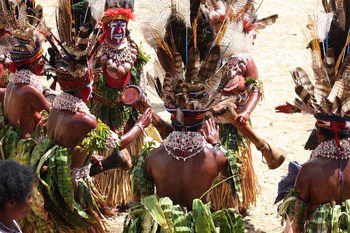 Highlands, Papua New Guinea, Tribes, Village