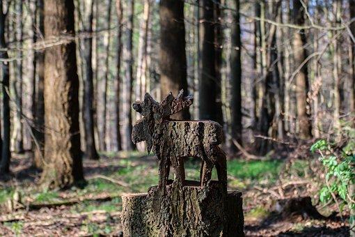 Moose, Wooden Moose, Art, Forest, Tree, Nature