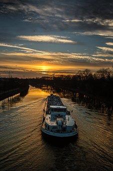 Gelsenkirchen, Rhine Herne Canal, Abendstimmung, Dusk