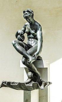 Venus, Bronze Statue