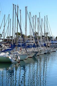 Yachts, St Raphael, Azur, Harbour
