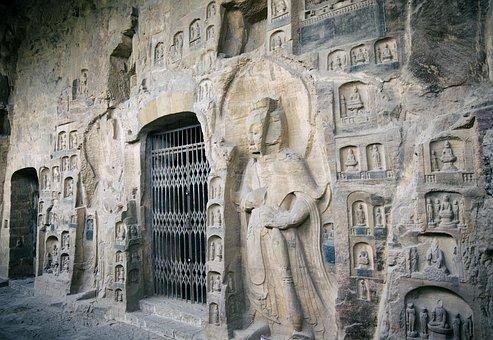 Shiku Temple Gongyi, The Cave Temple, Statue