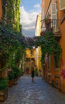 Woman, Solo, Traveler, Travel, Italy, Italian, Alley