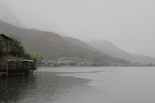 Rain, Lugu Lake, Empty Mont