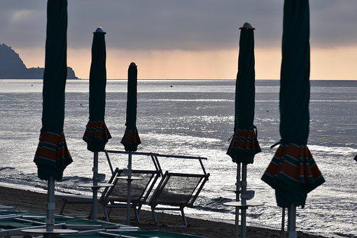 Beach, Sea, Sun Loungers, Parasols, Holidays, Italy