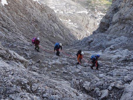 Climbers, Mutual Aid, Confidence, Mountain, Group
