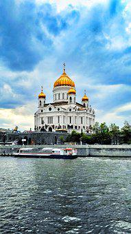 Moscow, Christ The Savior Cathedral, Moscow River