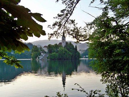 Chapel Island, Lake Bled, Perspective, Slovenia