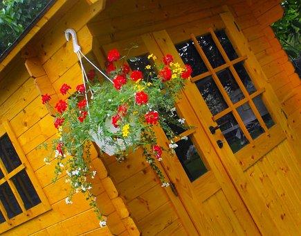 House, Wooden, Kôlňa, Flower Pot, Geraniums, Flowers