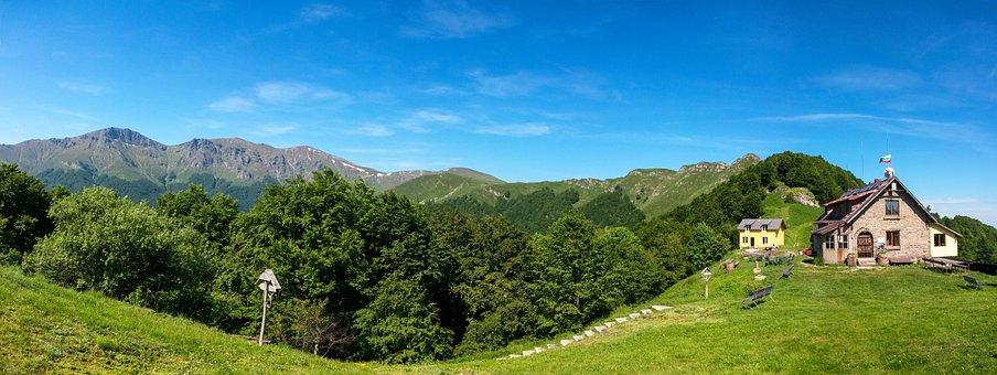 Bulgaria, Stara Planina, Central Balkan, Chalet Mazalat