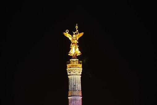 Gold Else, Night, Berlin