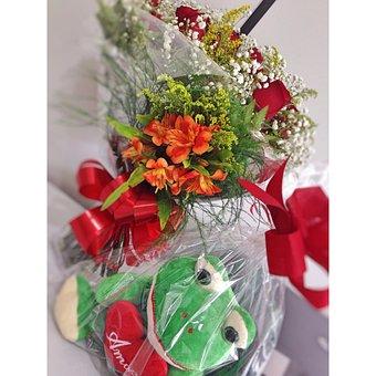 Flower, Frog, Love