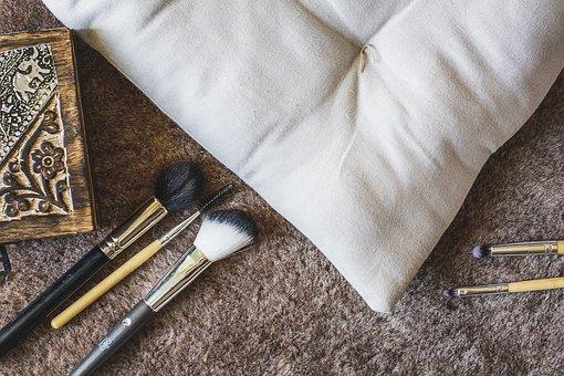 Room, Pillow, Skin, Box, Brushes, Brush, Makeup, To