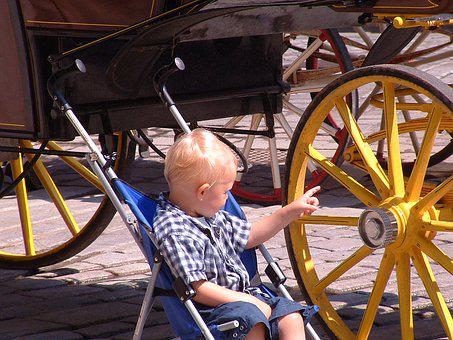 Child, Wagon Wheel, Coach, Vienna, Fiaker