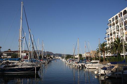 Spain, Costa Brava, Empuria Brava, Boats, Sailing Boats