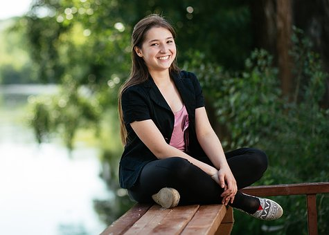 River, Vacation, Girl, The Sitting Pose, Smile, Teeth