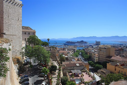 Cagliari, Bastione Santa Croce, Porto