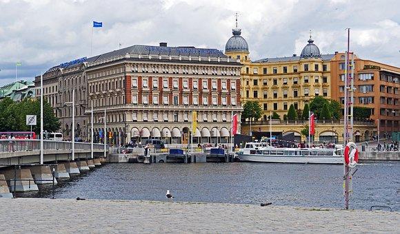 Stockholm, Stadtmitte, Water Running, Investors