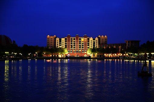 Disneyland Paris, Manhatten Hotel, Lake, Mirroring