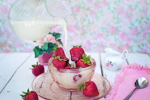 Strawberries, Cream, Milk, Pouring, Pour, Dessert