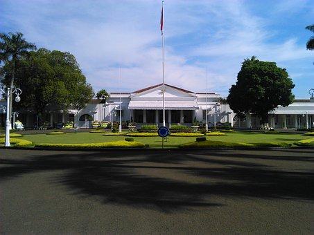 Bandung, The Home Office, Pakuan Building