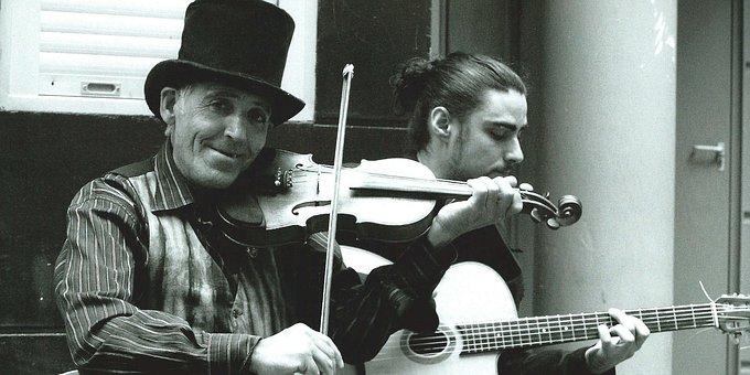 Nantes, Musician, Street, Violin, Guitar