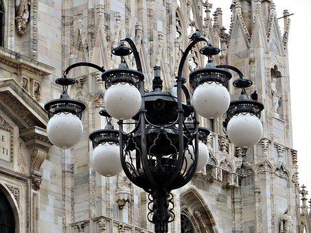 Streetlamp, Milan, Duomo, Italy, Lamp, Lamppost, Light