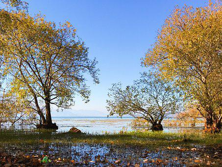 Erhai Lake, In Yunnan Province, Double-gallery, Autumn