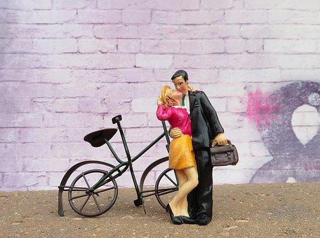 Couple, Kissing, Bicycle, Urban, Kiss, Romance