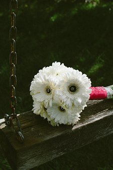 White, Flower, Petal, Bunch, Bouquet, Wedding, Swing