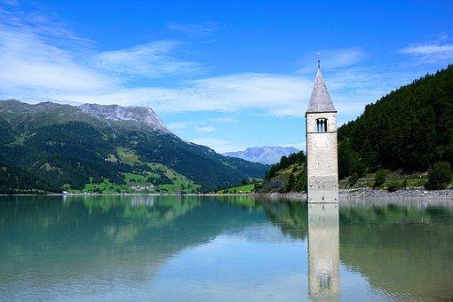 Curon Venosta, Resia Lake, St Valentin Auf Der Haide