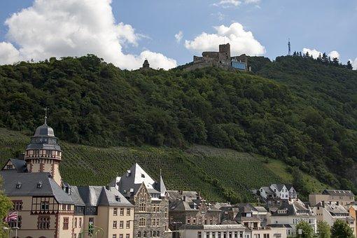Mosel, Bernkastel Kues, Landshut Castle, Historically