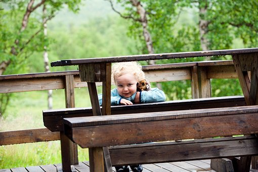 Innocence, Child, Curious, Under The Table, Cache