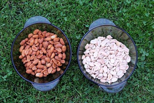 Peanuts, Peanut Arachidowe, Eating