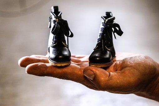 Hand, Shoes, Miniature
