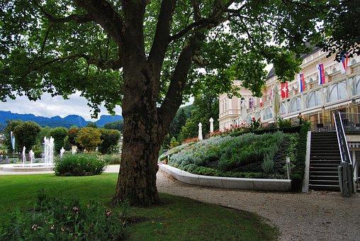 Bad Ischl, Salzkammergut, Kurpark, Tree, Hotel, Meadow