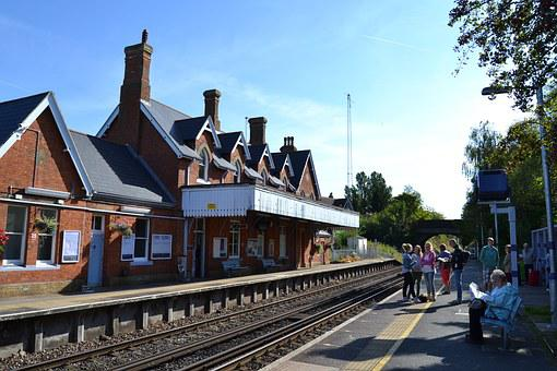 England, Railway Station, Platform