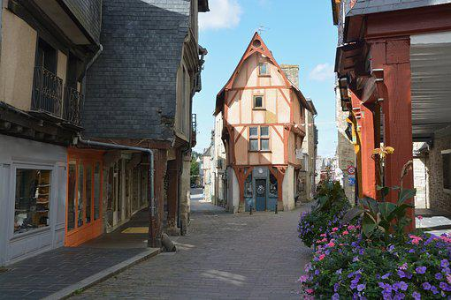 Home Timber-framed, Tourist Town, Vitreous, Brittany